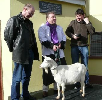 Plaque & goat